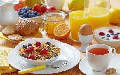 High-energy breakfast with low-energy dinner helps control blood sugar in people with type 2 diabetes -- ScienceDaily